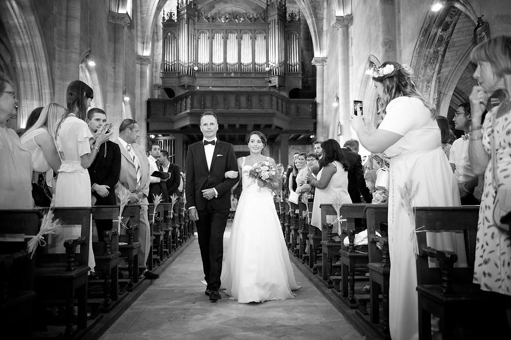 Photographe mariage église à Etain.