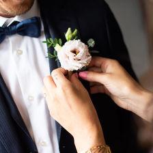 Photographe de mariage à Metz, costume du marié.