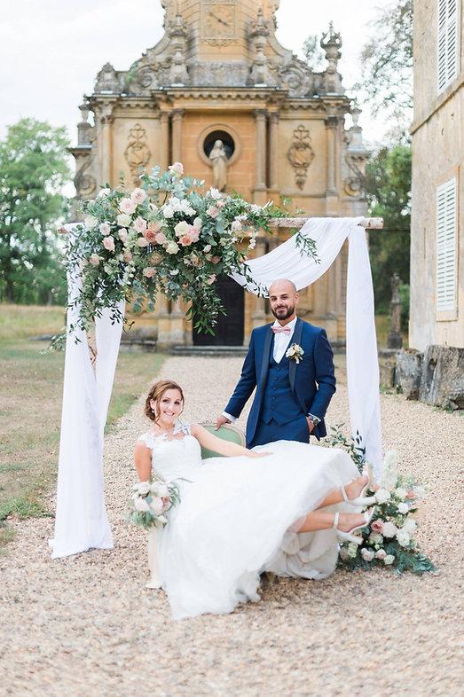 Photographe de mariage à Metz, mariés devant le château de Preisch