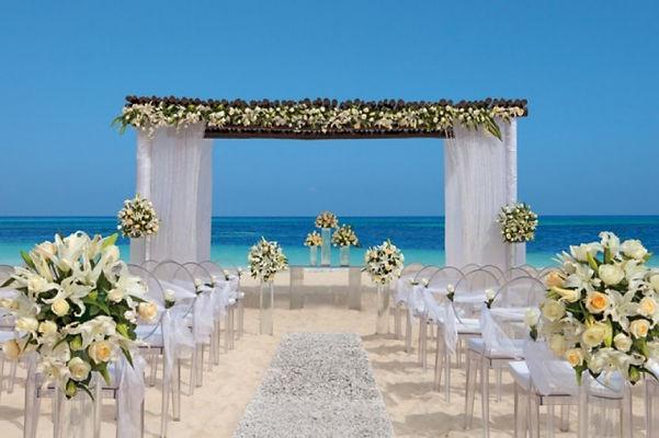 montaje boda playa.jpg