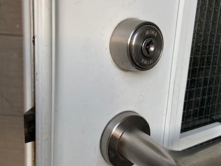 玄関の鍵 ディンプルキーへ シリンダー交換 富山の鍵屋