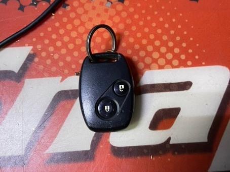2009年式 ホンダ インサイトZE2 鍵足の紛失作製