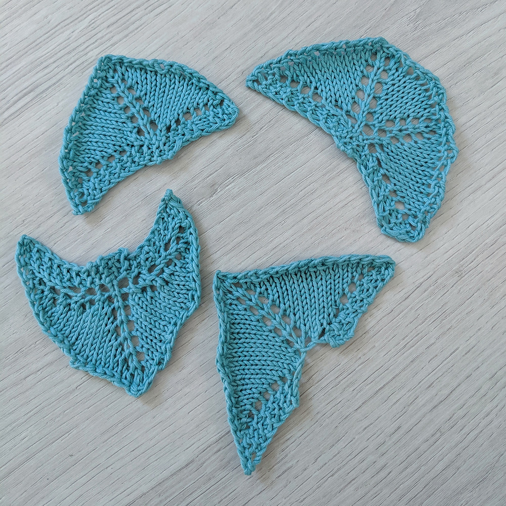 4 blue cotton mini shawl whose geometric shapes can be distinguished because they are blocked