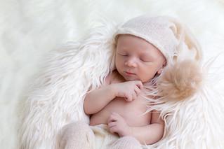 Charles, nouveau-né