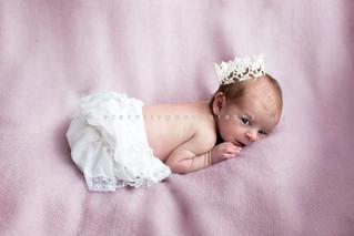 Eva, séance photo nouveau-né