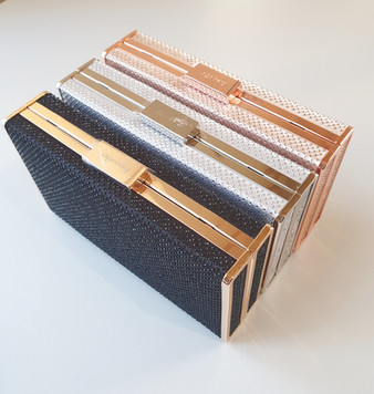 Coby hot fix clutch - Black, silver and rode gold