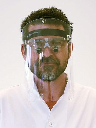 Faceprotector montiert