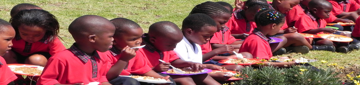 Children-at-feeding-scheme.jpg