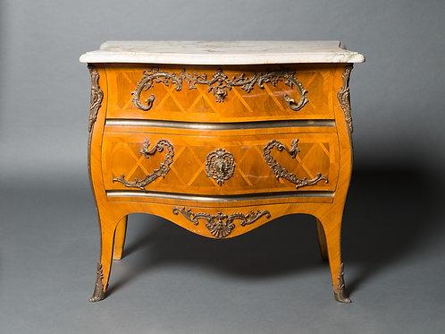 Kommode Louis XV nach einem Modell von Matthäus Funk