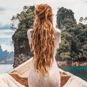 Dreadlocks-Nature-Boho-Woman-Boat.png