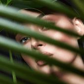 Makeup-Natural-Woman-Nature-Palm-Shaddow