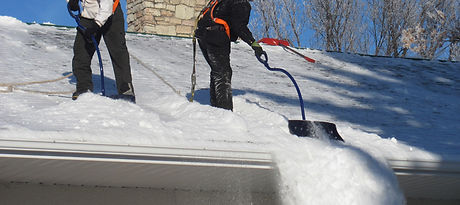winnipeg-rooftop-snow-removal.jpg