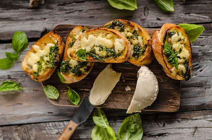 Garlic herbs toast with fresh mozzarella