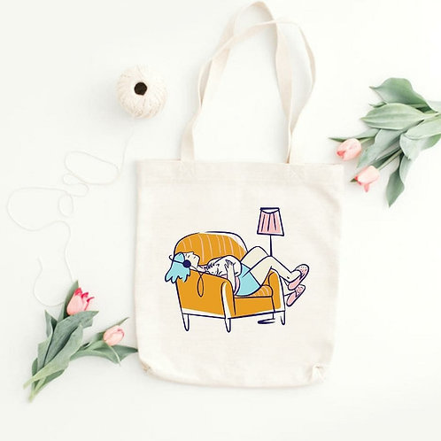 CHILLIN' CAT LADY - TOTE BAGS