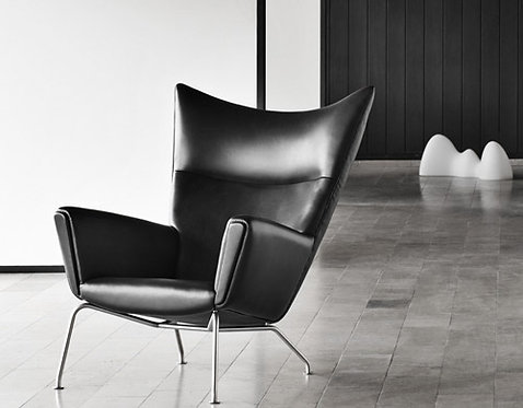Ch445 Lounge Chair And Ottoman