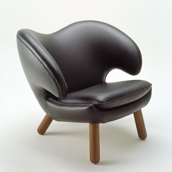The Pelican Chair FJ4000