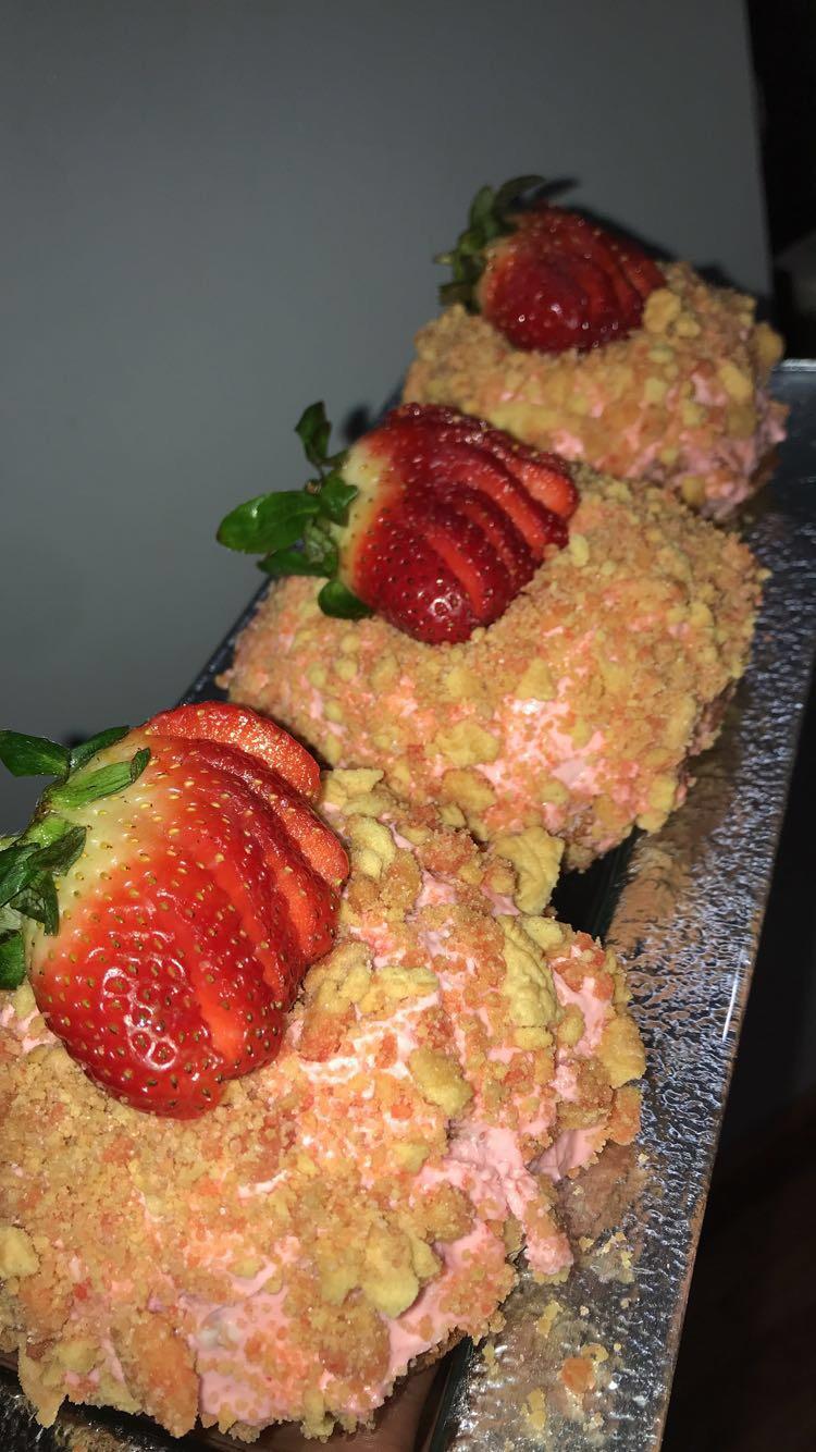 Strawberry Crunch  Mini Bundt Cakes