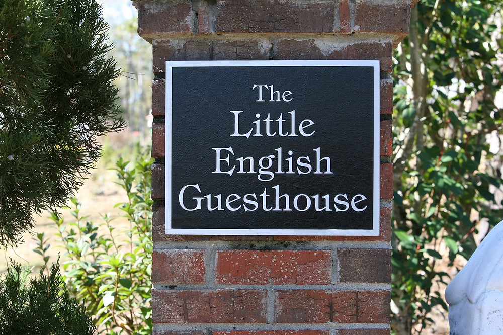 Signage for the best place to stay in Tallahassee, the Little English Guesthouse