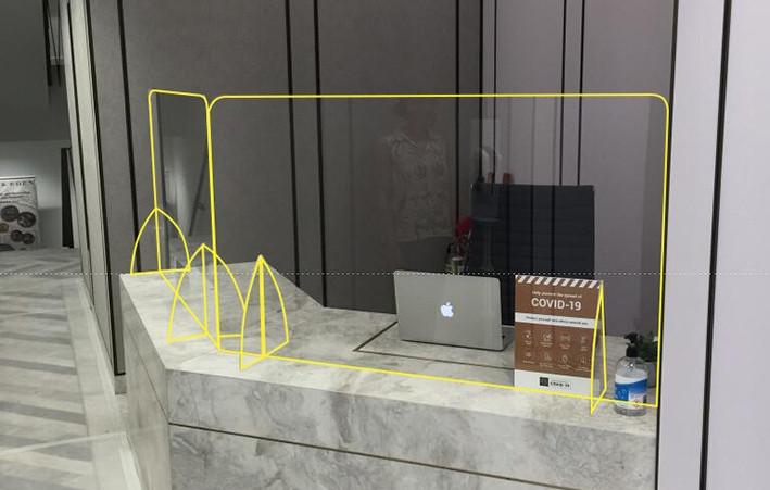 Haywood-perspex-screen-hotel-counter.jpg