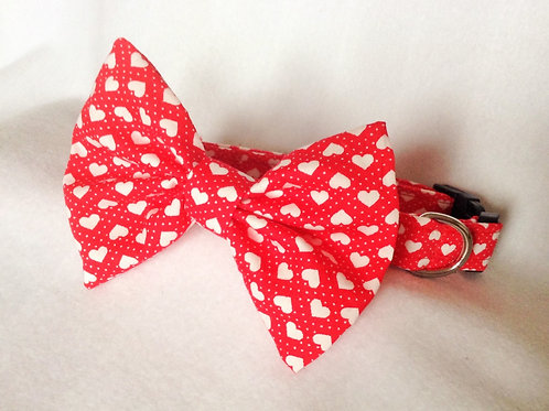 Tiny Hearts Bow Collar