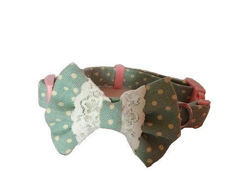Vintage Green Bow Collar