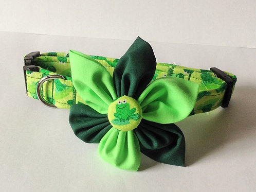 Green Frog Flower Collar