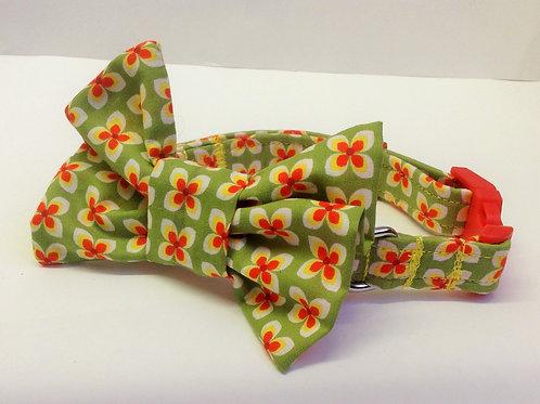 Green Geometric Flower Bow Collar