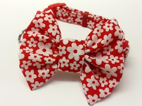 Red & White Daisy Print Bow Collar