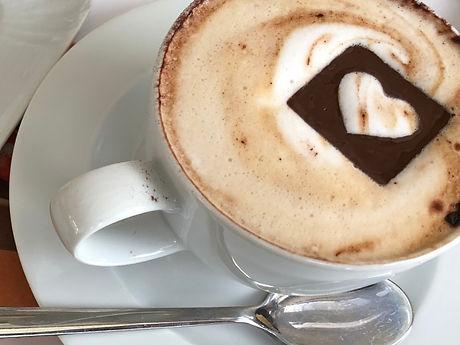 הקפה עם הלב משוקולד