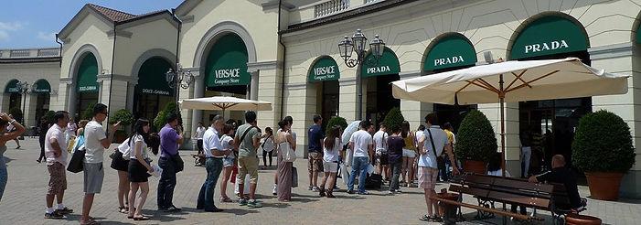 אואטלט בזמן הסיילים באיטליה