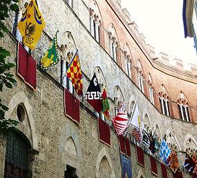 דגלים סיינה איטליה