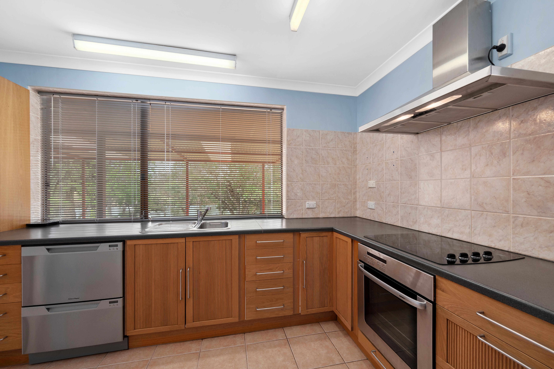 93 Rodoreda Crescent, Ravenswood.21