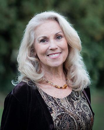 Raina Rowland, Intuitive Oracle Reader in Portland