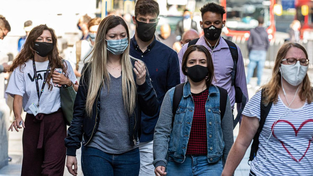 """Young People in the United Kingdom Accused of Fueling the """"Second-Wave"""""""