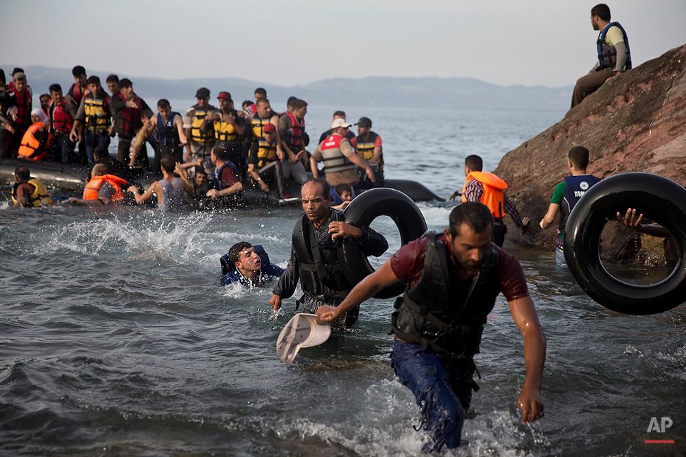"""""""Syrian Refugees"""" – Petros Giannakouris (AP)"""