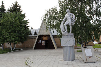 Музей и Петр.jpg