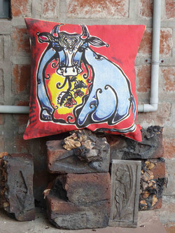 Cushion Cover Bull Painting (CCPGR)