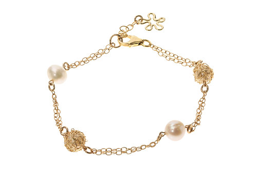 Bracelet - wired white pearls