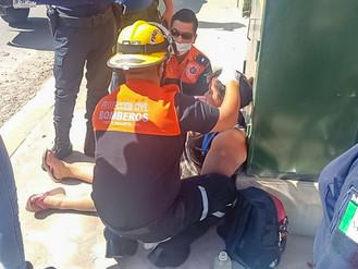 Mujer Herida al Caer de Bicicleta