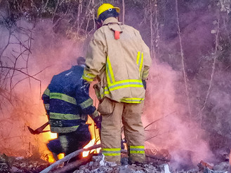 Incendio de Pastizal Afectó Camioneta