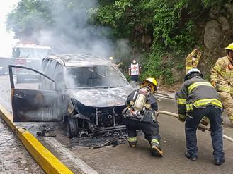 Se Incendió Camioneta