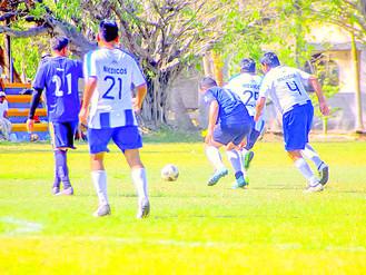 THE ONE GOLEA 8-2 A LOS ARQUITECTOS Y SE COLOCA EN EL LIDERATO