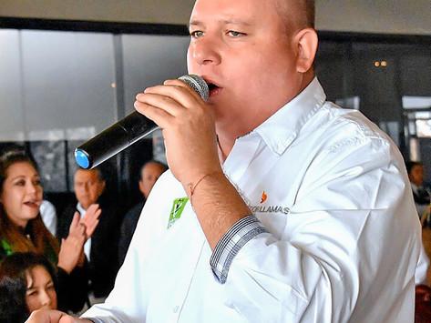 SE DESPEJAN DUDAS, EL PROFE MICHEL ANUNCIA A SALVADOR LLAMAS URBINA, DIRECTOR DEL SEAPAL