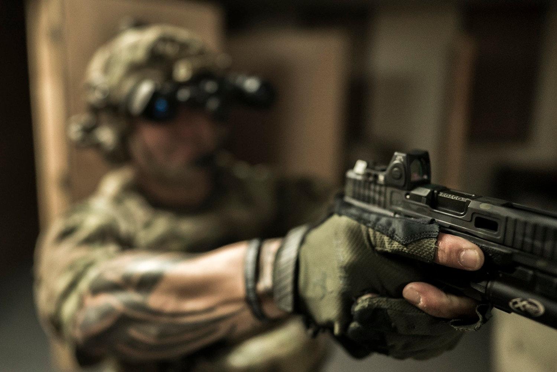 GUNFIGHTER HANDGUN SKILLS & DEVELOPMENT