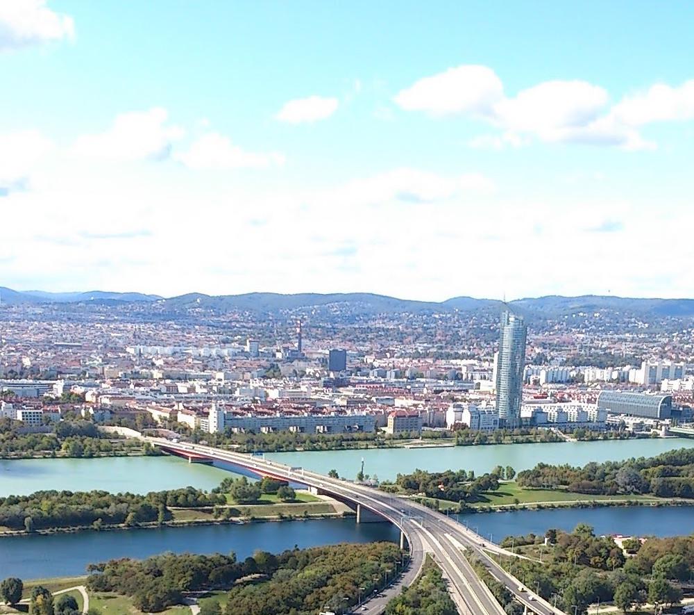 ドナウタワーからウィーンの全景