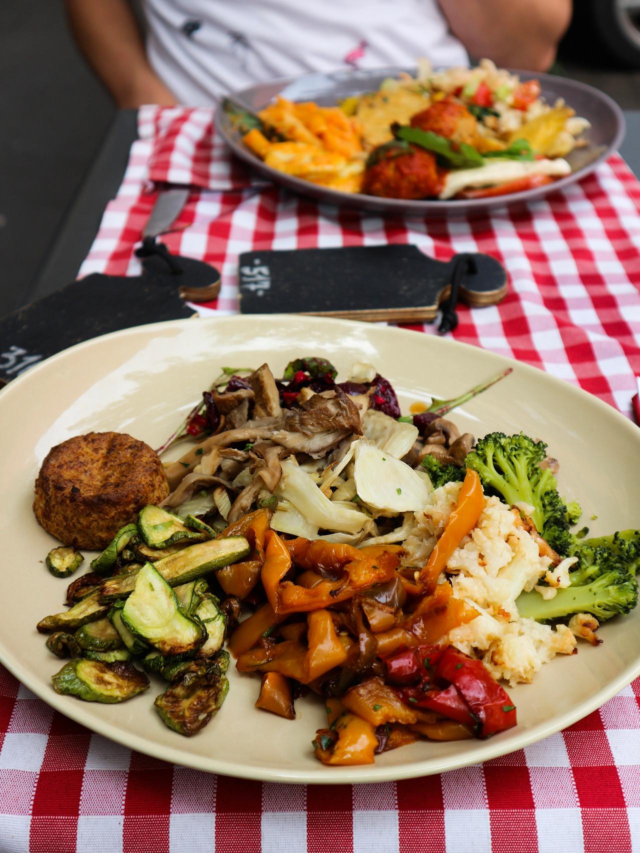 vegan, lifestyle, blog, nieuwjaar, oudennieuw, groen, plantaardig, persoonlijk, zegeningen, proost, 2018, 2019, vakantie, veganvakantie, italië, veganitalië
