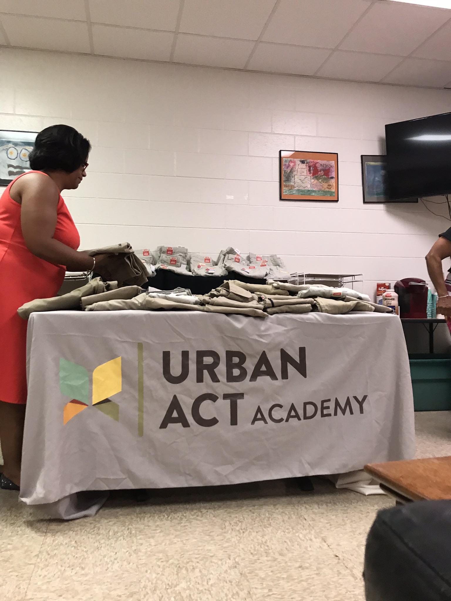 Urban Act Academy Uniform Handover_2018