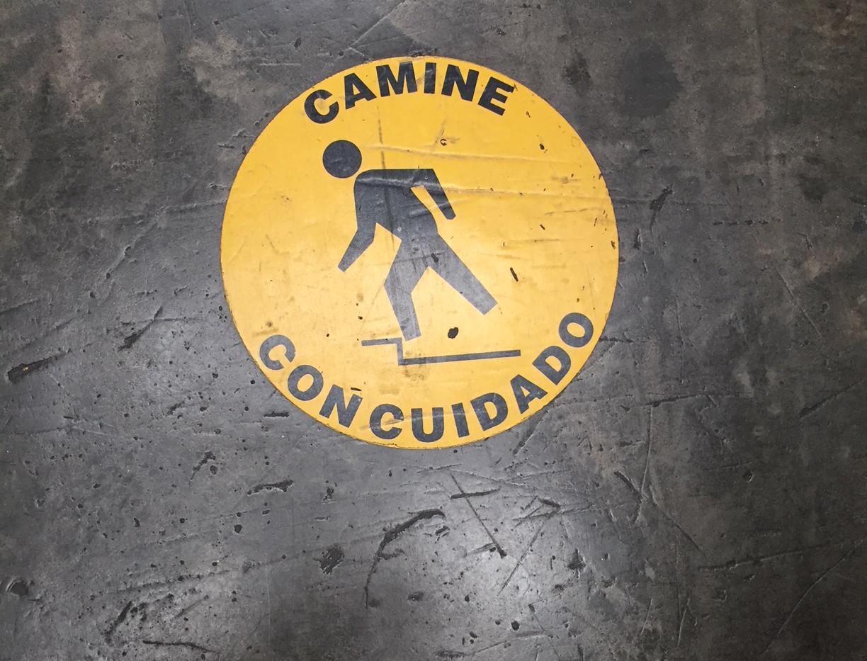 Elaboración de señalética industrial Puebla (2).JPG