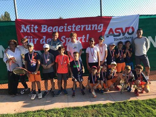 Spiel, Spaß und glückliche Sieger bei der Jugend-Vereinsmeisterschaft.