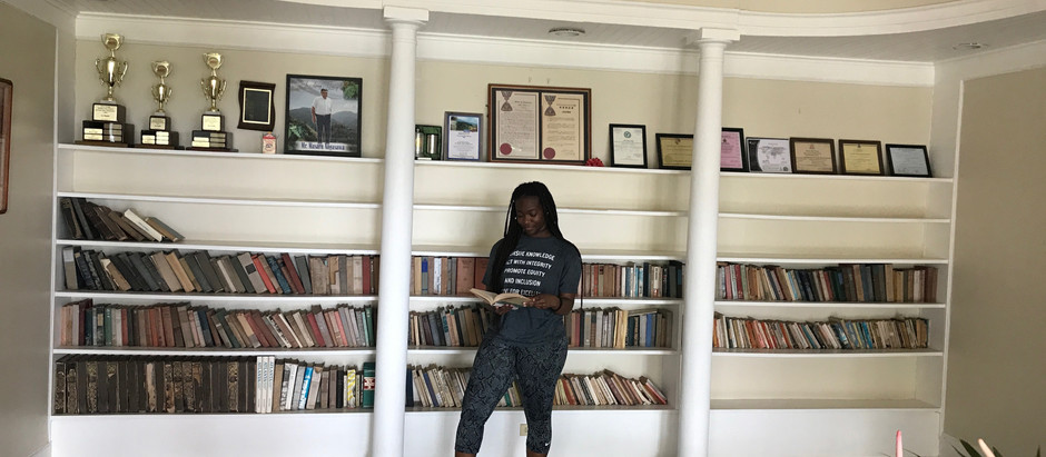 #BlackGirlsRead 📚